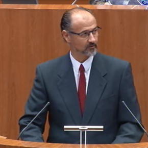 Luis Fuentes afea a Mañueco que la aprobación del presupuesto de Doñinos dependa de un sueldo para la concejal popular