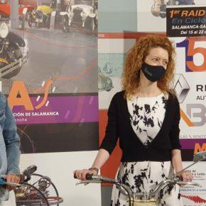 La primera teniente de alcalde de Salamanca, Ana Suarez, presenta el Segundo Raid Solidario en ciclomotor de Proyecto Hombre Salamanca